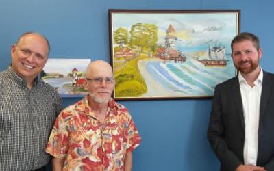 L'artiste Michel Lepage expose ses œuvres au bureau de circonscription de Xavier Barsalou-Duval