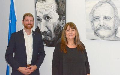 L'artiste Lorraine Dubuc expose ses œuvres au bureau de circonscription de Xavier Barsalou-Duval