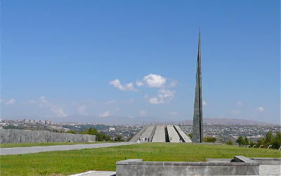 Stéphane Bergeron rend hommage aux victimes et appelle au souvenir du génocide arménien