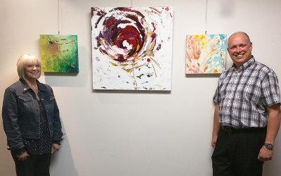 L'artiste peintre Suzelle Chaput expose ses oeuvres au bureau de Stéphane Bergeron