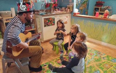 Services de garde en milieu familial: de l'éveil aux arts offert à près de 300 enfants de la région