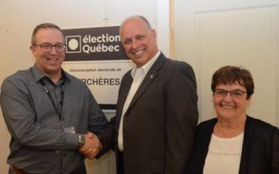 Campagne électorale dans Verchères: Stéphane Bergeron dépose son bulletin de candidature