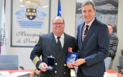 La Municipalité de Verchères honore André Larouche, Directeur du Service Sécurité Incendie